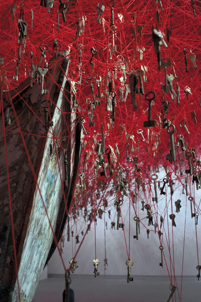Chiharu Shiota - The Key In the hand (2015) courtesy of Sunhi Mang 8